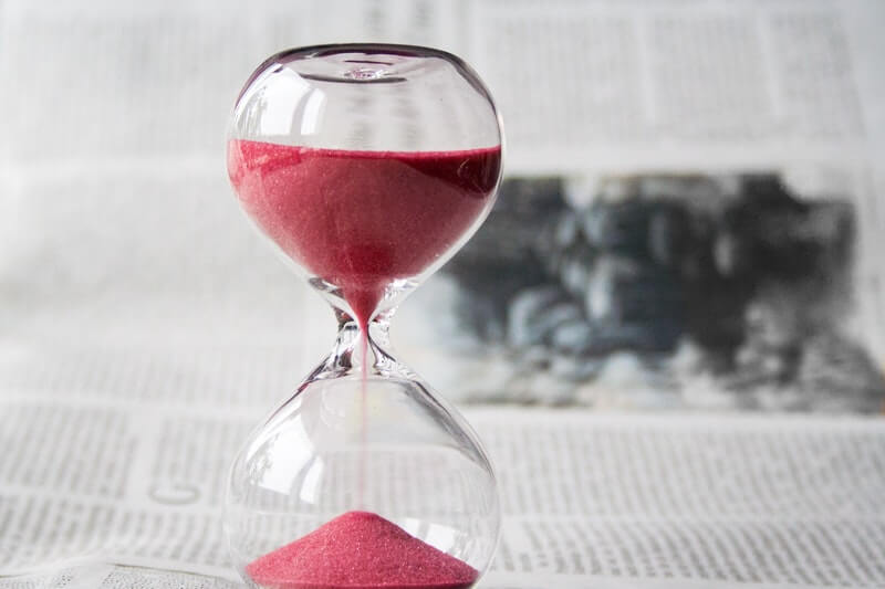Photo of an hourglass - a good dentist won't rush you.